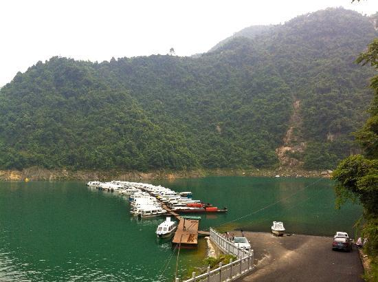 Dongjiang Lake Scenic Area: Dongjiang Lake