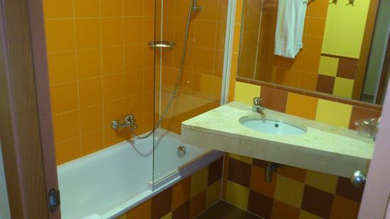 Alcazaba Mar Hotel: Baño
