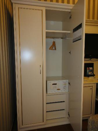 Trevi 41 Hotel: Caja de seguridad