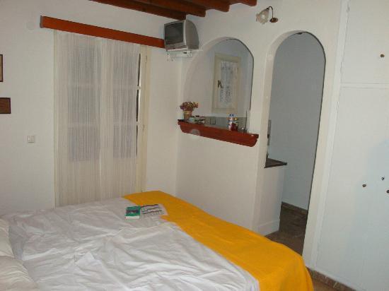 Villa Pinelopi Apartments & Rooms : room 2a
