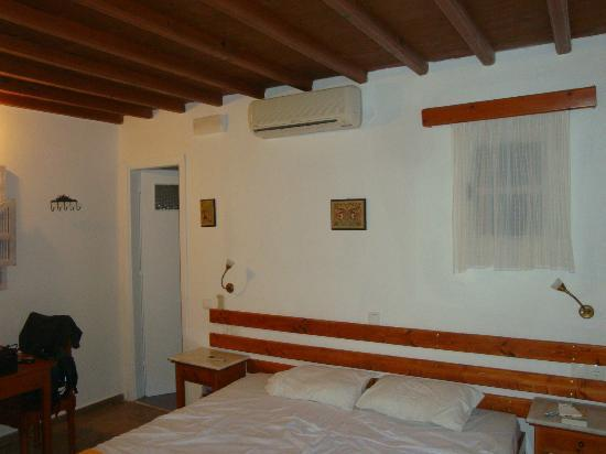 Villa Pinelopi Apartments & Rooms: chambre 2a