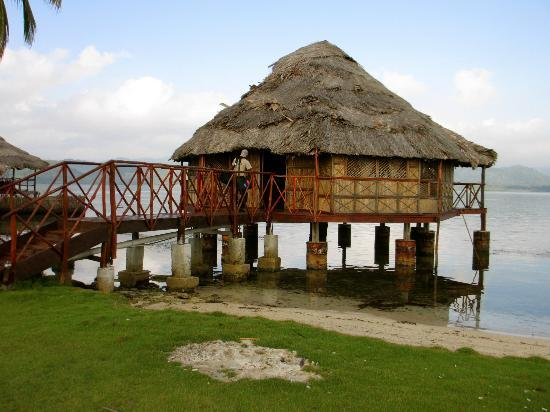 Yandup Island Lodge: Our hut over the water