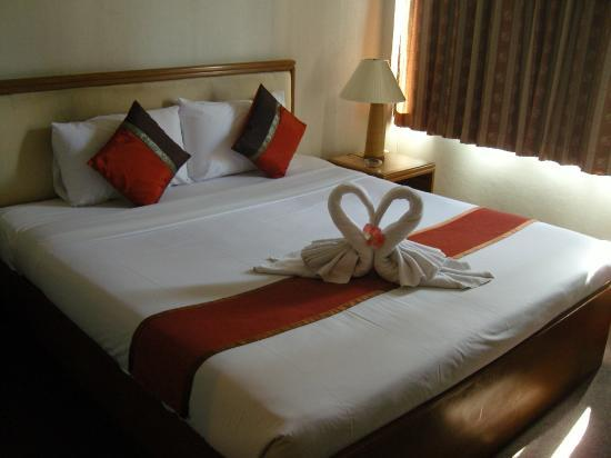 Silom Avenue Inn: Bed