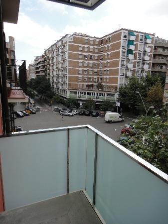Hotel Zenit Borrell: balcon y vista desde la habitacion