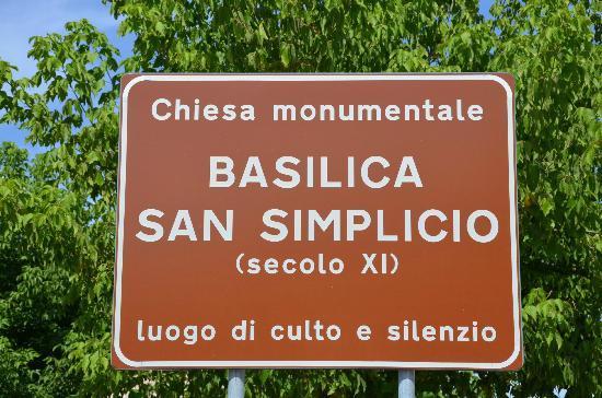 Basilica di San Simplicio: cartello turistico
