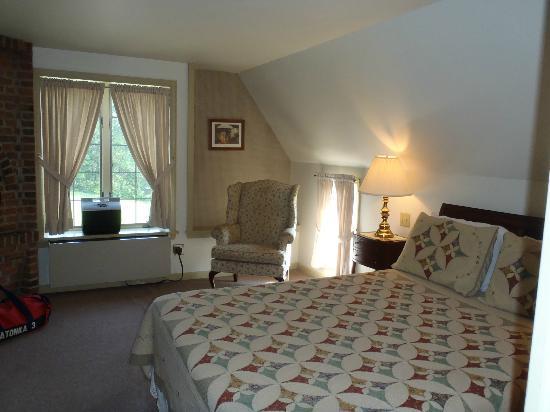 Stone Bridge Inn: Room #7