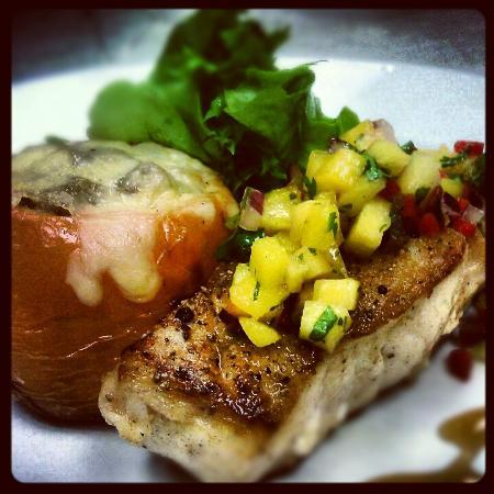 Tombo Grille: Seared Grouper