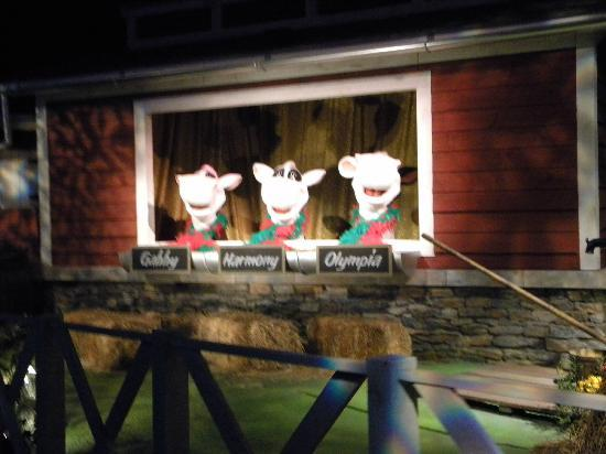Hershey's Chocolate World : The singing cows on the Chocolate World ride