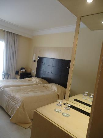 SENTIDO Aziza Beach Golf & Spa: spacious room
