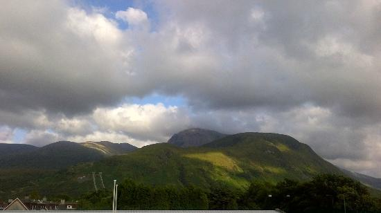 Cuil-Na-Sithe Corner of Heaven: View of Ben Nevis from room