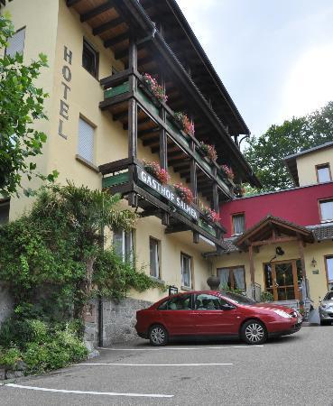 Landhotel Salmen : Hotel entrance