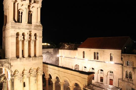 Diocletian's Rooms: Vier from the terrace at night.