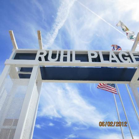 Ruhl Plage: The sign