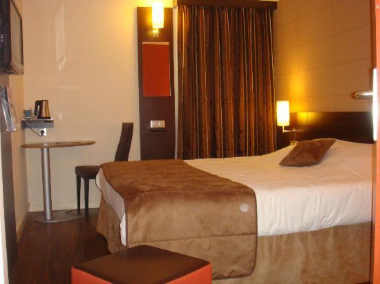 Kyriad Poitiers Sud: CHAMBRE DOUBLE