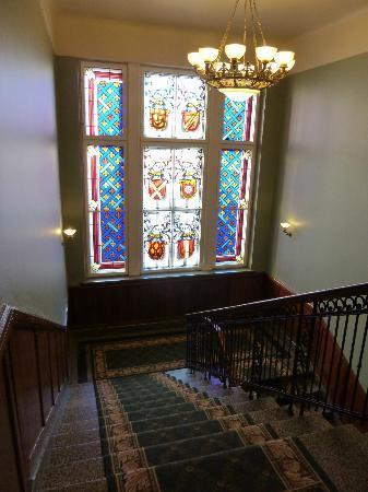 Hotel Metropolis: stairway