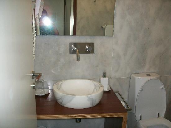 Hotel Santa Clara: Baño