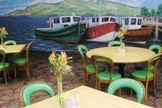Danny Boy's Irish Pub & Restaurant: Beautiful Artwork Depicting an Irish Port