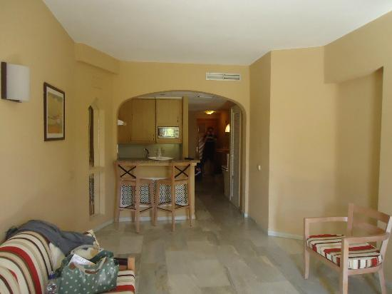 HOVIMA Altamira: view of living room with kitchen