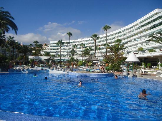 HOVIMA Altamira: view of hotel and pool