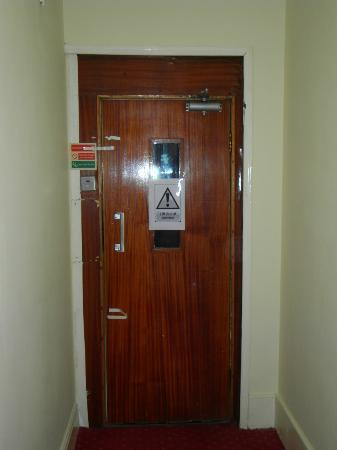 Elsinore Hotel: lift out of order