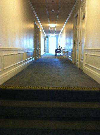 Inn at the Park: hallway