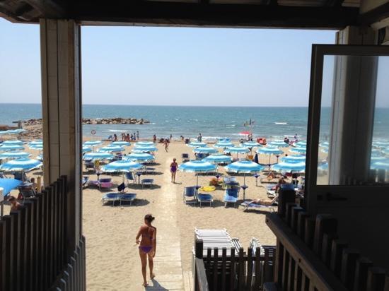 Matrimonio Spiaggia Anzio : Spiaggia saint tropez picture of anzio province rome