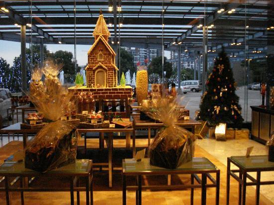 Hyatt Regency Dongguan: Hotel Lobby At Chinese New Year