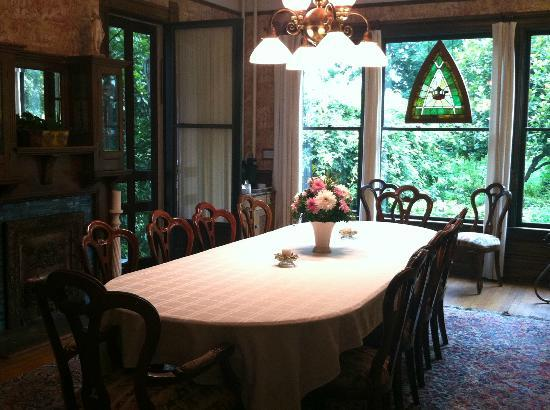 Beaufort House Inn: Formal Dining Room