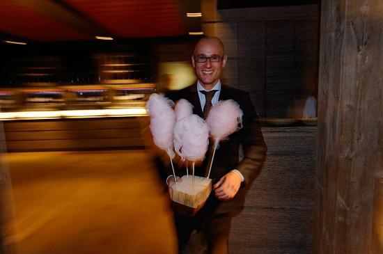 LeCrans Hotel & Spa : Le petit délice fun et sucré de fin de soirée ! Toujours avec le sourire !