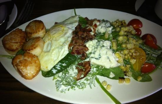 Rye Tavern : cob salad with scallops