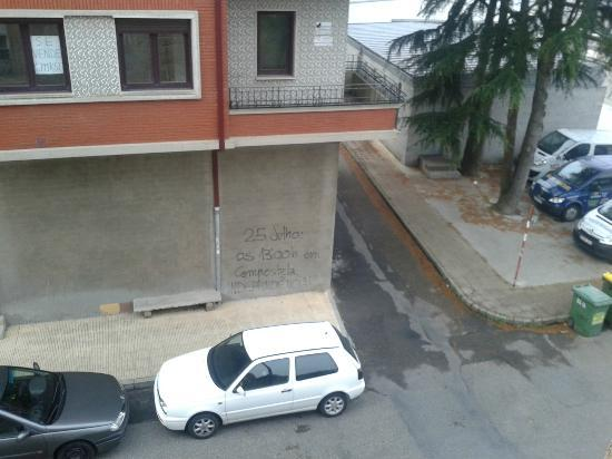 Puentecesures, Spain: Calle desde una ventana