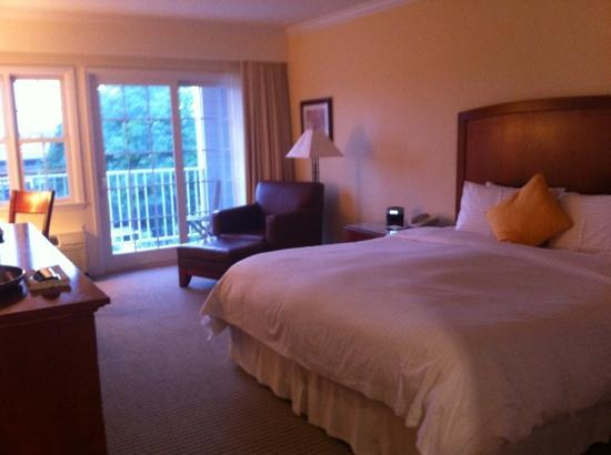 Harborfront Inn at Greenport: spacious room. interconnecting with 2 x double