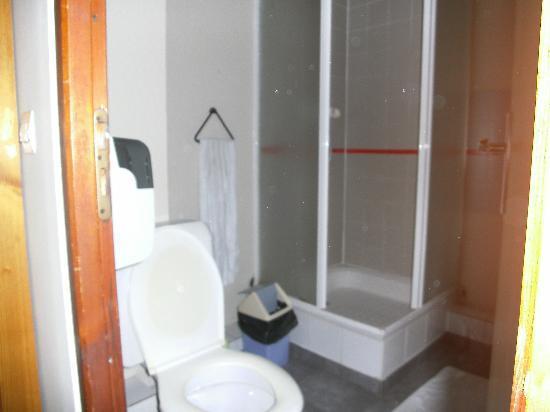 Hotel Chalet du Crey : douche