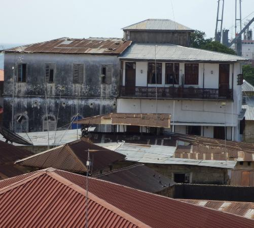 Zanzibar Palace Hotel: The right half is ZPH (view from Emerson Spice)