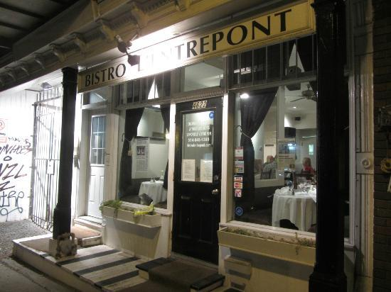 Bistro L'entrepont: Not an imposing bistro, located on a side street of a residential neighborhood.