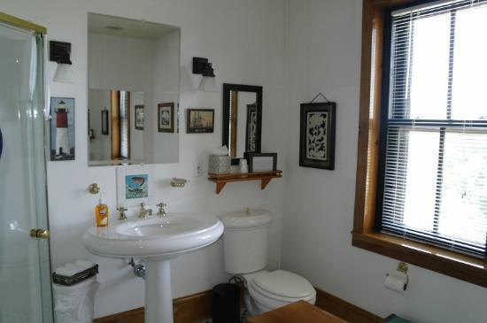 Gryphon House: North Tower Bathroom