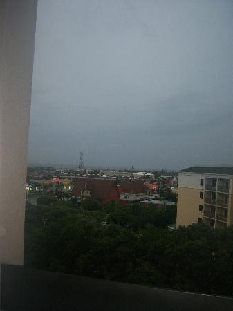 Hampton Inn Cocoa Beach/Cape Canaveral: Inland view from hotel during Tropical Storm Debbie