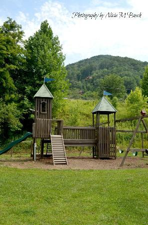 Cozy Creek Cottages: Playground