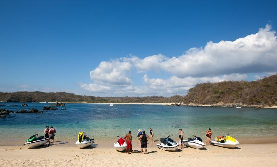 Huatulco Watersports Jet Ski and Boat Tours: Beach Stop