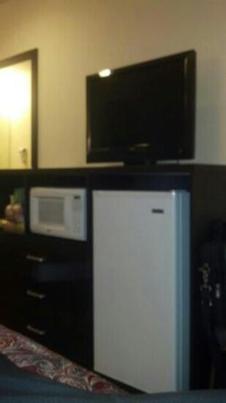 Belair Motel: new tv fridge and microwave