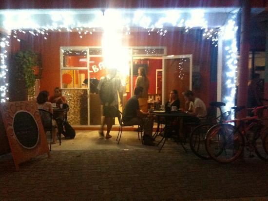 Babel Cafe : Babel at night