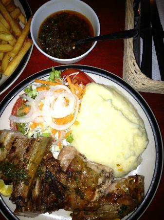 Las Piedras : Rib and chicken combo with mashed potatoes