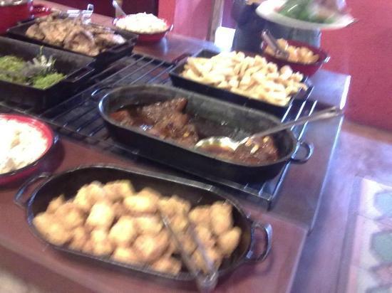 Lá em Casa Restaurante: Food service partial view