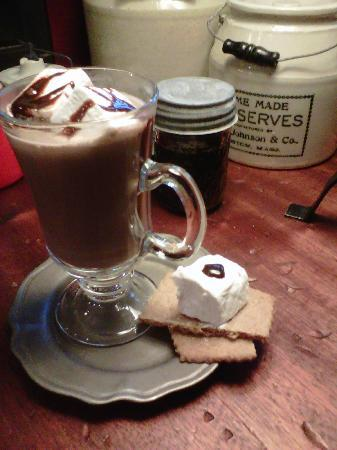 Wabi Sabi Cottage: Home made hot chocolate with homemade graham cracker and home made marshmallows