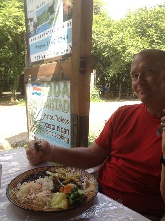 Soda La Amistad : steak casado plate