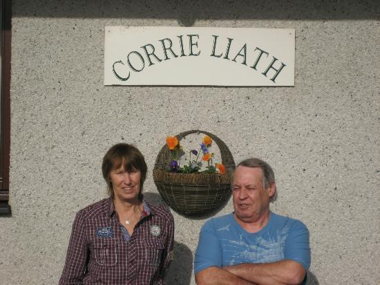 Corrie Liath B & B: Our fantastic hosts