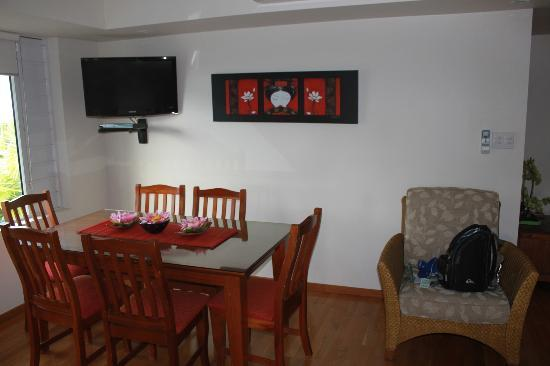 Verandahs Boutique Apartments : Dining area