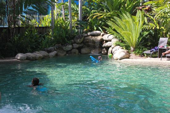 فيرانداس: Gorgeous pool 