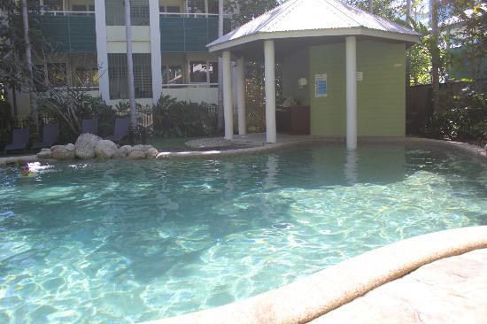 فيرانداس: Pool 