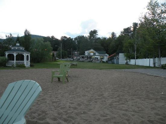 Shore Meadows Motel: View of motel grounds from beach